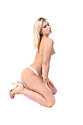Sandra Blonde High Society istripper model
