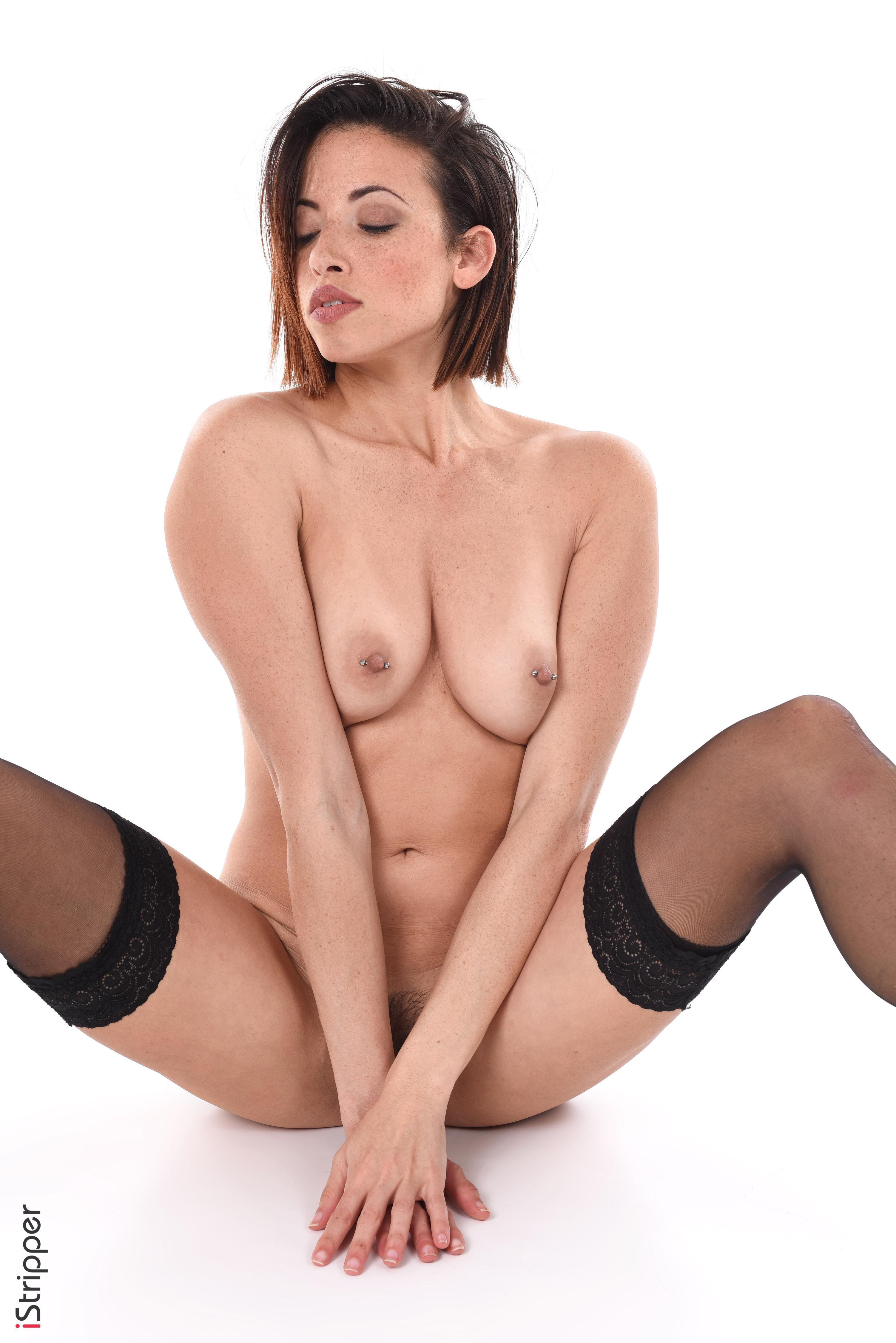 nude wallpaper download