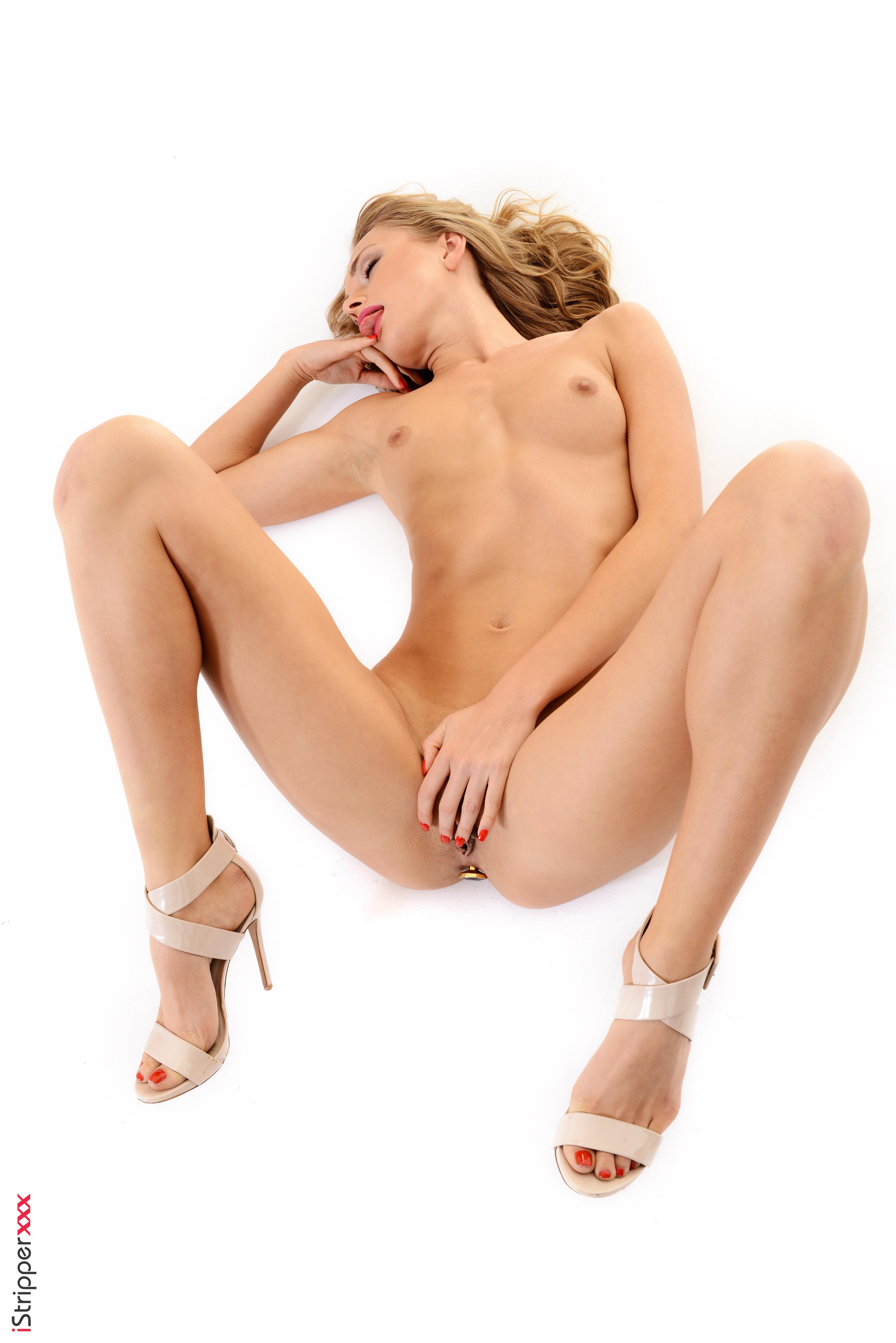 nude wallpaper of girls
