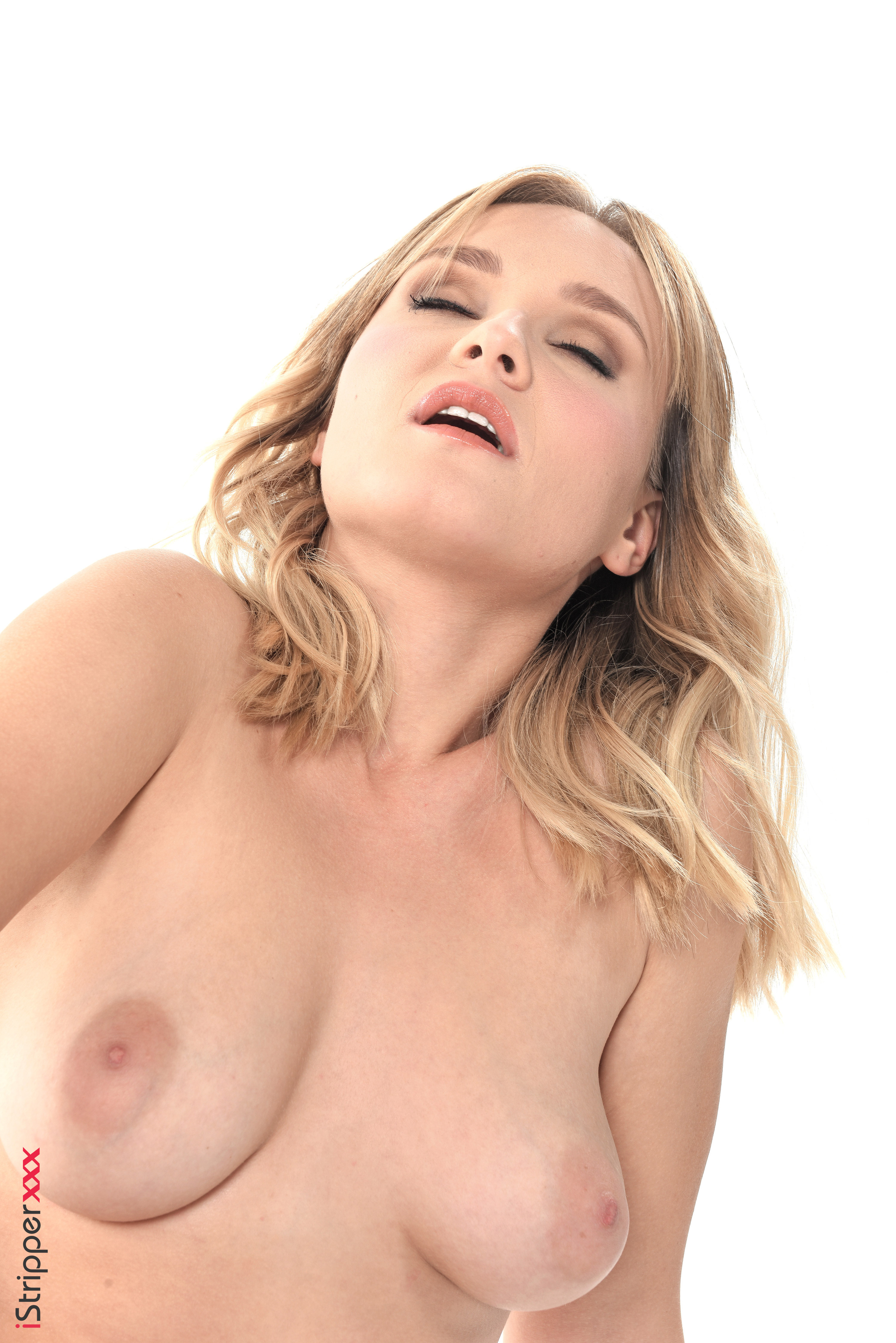 shaved vagina photo