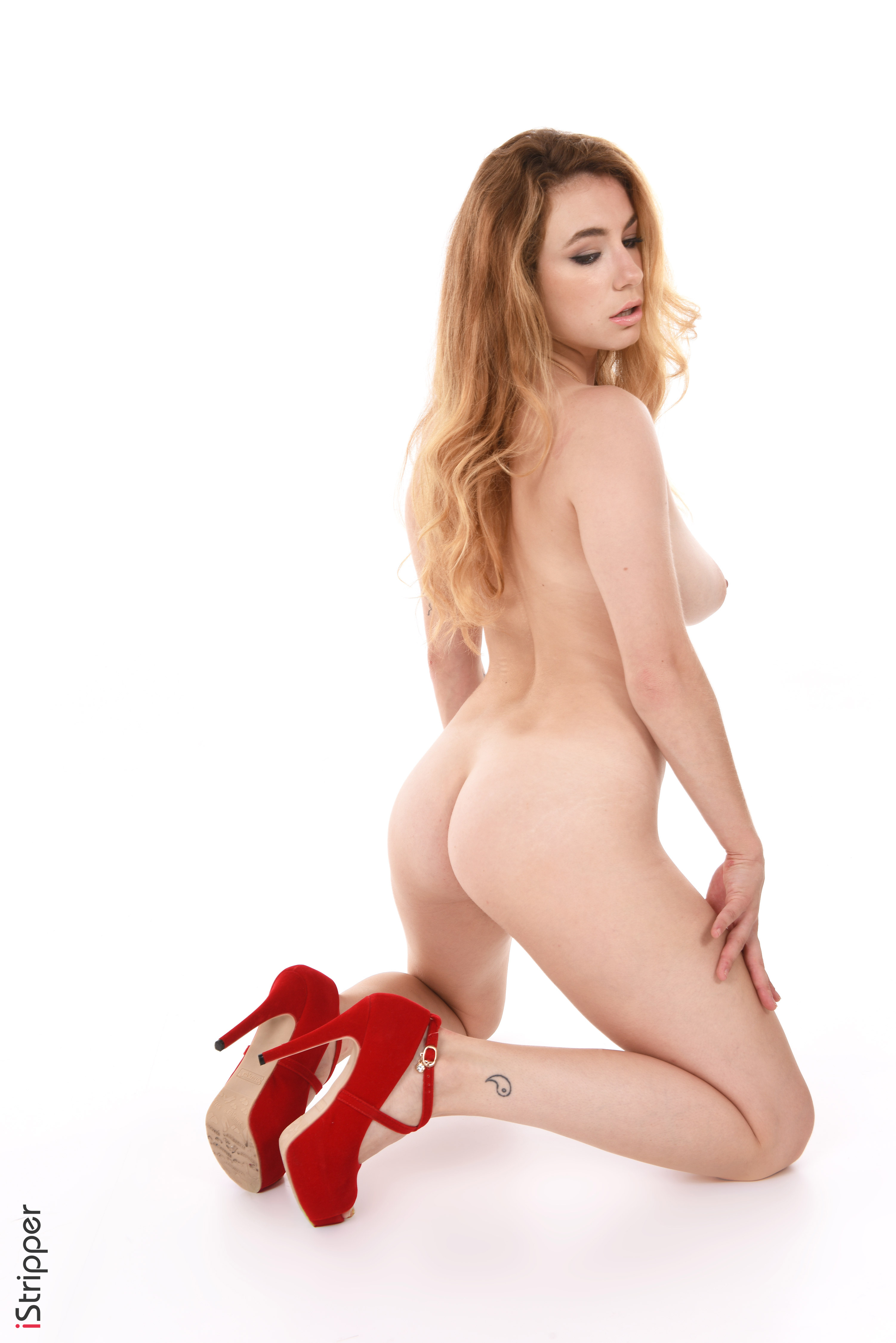 nude wallpapers free download
