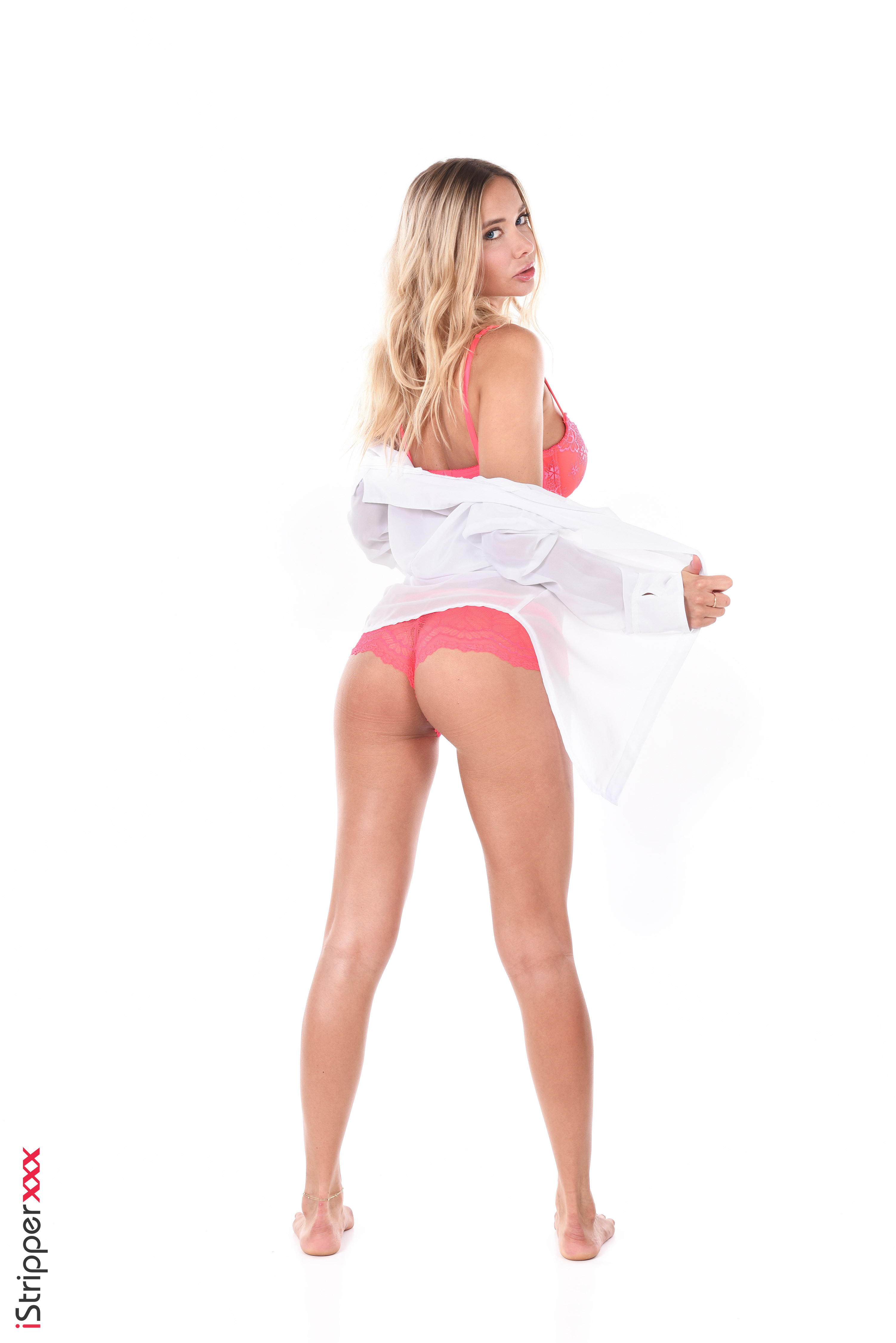 blonde erotic nude